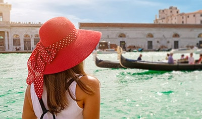 Beauty & Wanderlust : Skin Care from the World's Best Vacation Spots