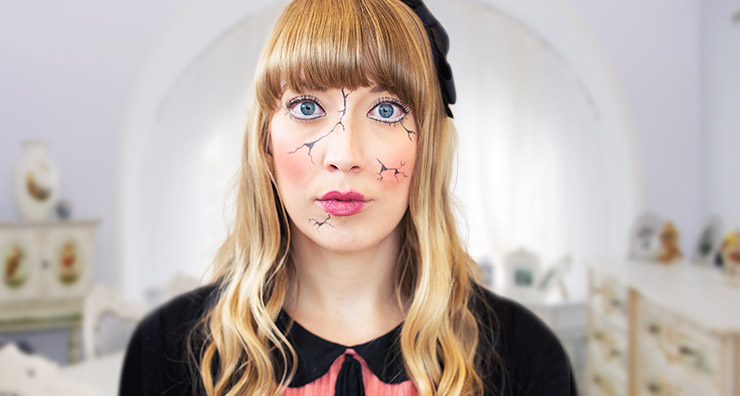 Easy Halloween Makeup: Cracked Doll