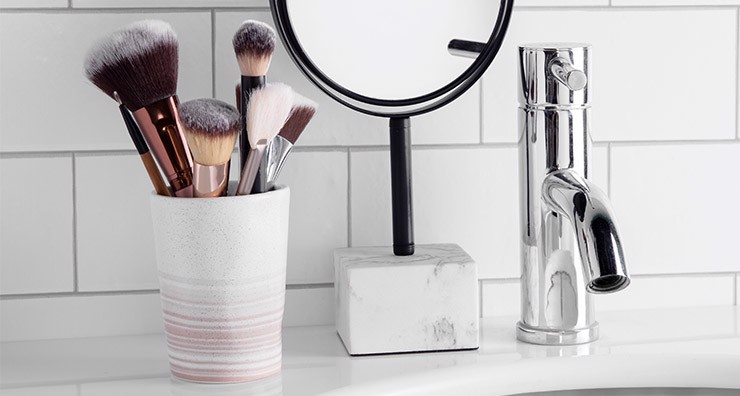 Complete Your Beauty Arsenal with These Must-Have Makeup Brushes
