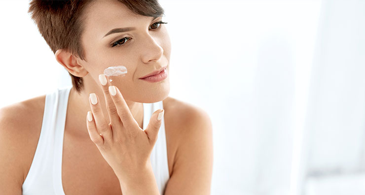 Sunscreen or Moisturizer First? What is the Best Way to Layer Your Skin Care?