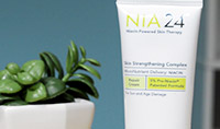NIA24 Skin Strengthening Complex Repair Cream: brighten skin